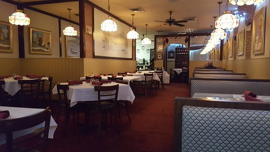 Tequesta, FL: The interior of the restaurant