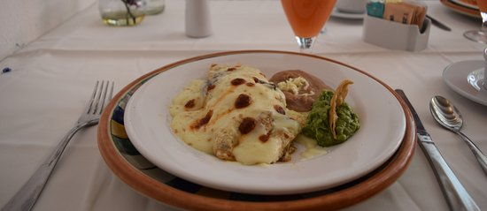 Casareyna Hotel: Platillo Tradicional