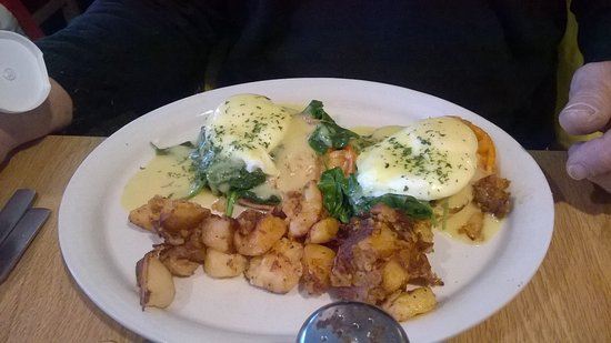 Brittany's Food and Spirit: Eggs Benedict