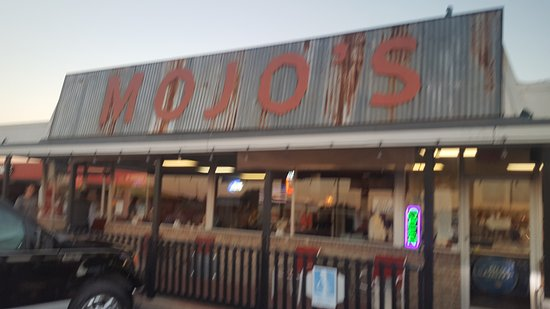 Burleson, TX: Mojo's TexMex Smokehouse and Grill
