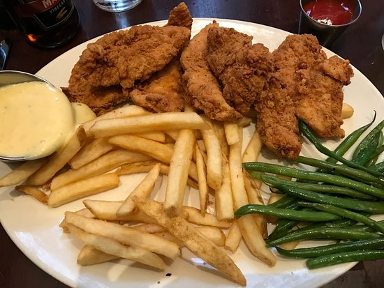 Houlihan's: Chicken tenders platter with honey mustard and green beans