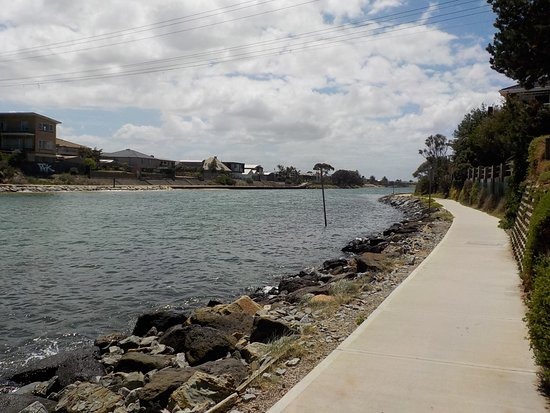 Carrum Downs, Australia: Looking upstream towards Patterson Lakes