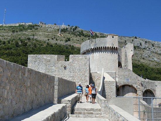 Minceta Fortress : ミンチェタ要塞とスルジ山