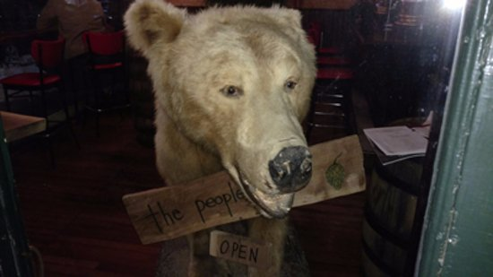 Chatham, Estado de Nueva York: The People's Pub Guard Bear