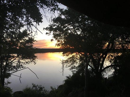 Mopani Rest Camp: Sunset over Pioneer Dam