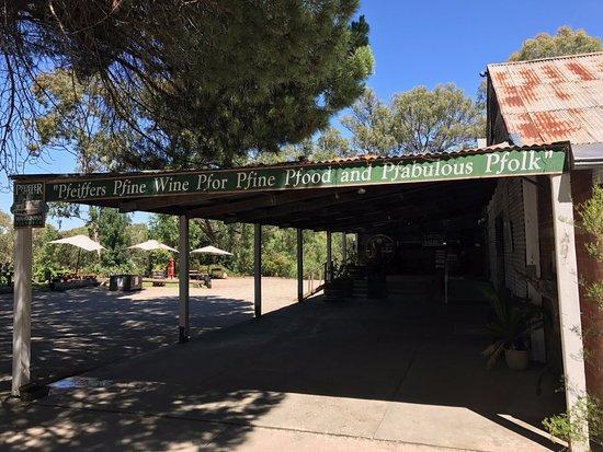 Wahgunyah, Australia: Entrance to Cellar Door