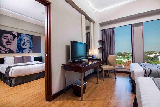 Hotel Grand Candi Semarang: Connecting Room