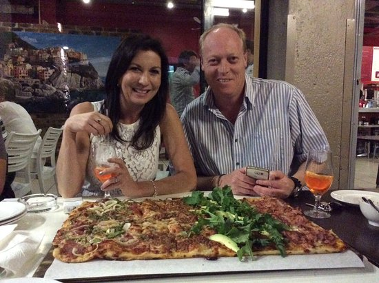 Germiston, Νότια Αφρική: Amazing square pizza!