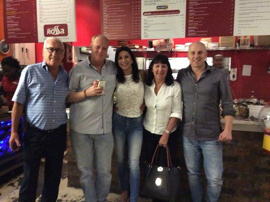 Germiston, South Africa: Etzio on the right with 4 very happy customers