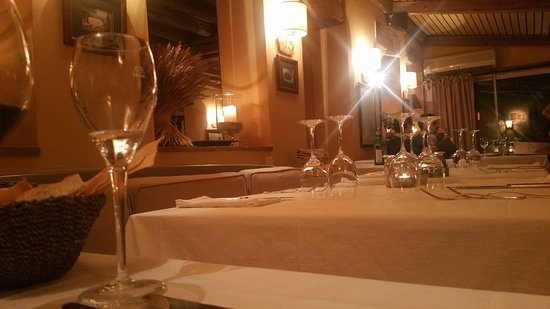 Veyrier, Suiza: The understated interior of Il Mirtillo