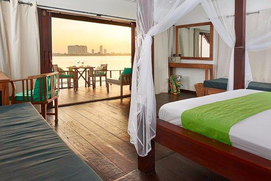 Mekong Getaways: Floating bungalow suite