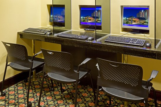 Crowne Plaza Hotel Englewood: Business Center