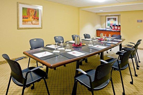 Englewood, NJ: Boardroom