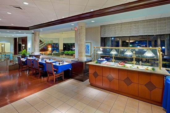 Crowne Plaza Hotel Englewood: Breakfast Area