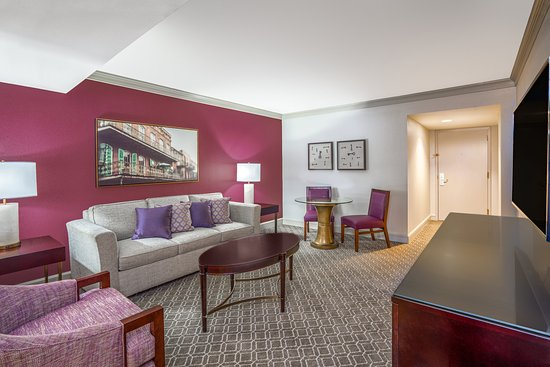 Crowne Plaza Hotel Astor-New Orleans: Renovated Suite Parlor