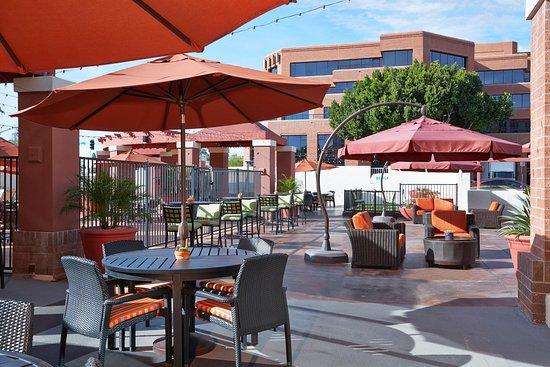 Hilton Garden Inn Scottsdale Old Town: Outdoor Patio