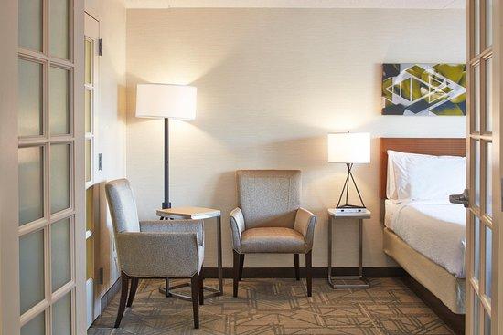 Hilton Garden Inn Scottsdale Old Town: Premium Suite