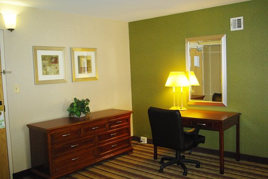 Holiday Inn Buena Park Hotel & Conference  Center: Travel in comfort for business or pleasure in our junior suite
