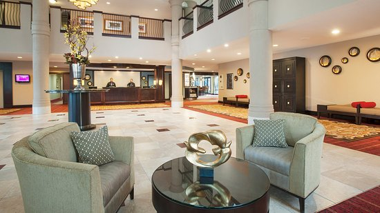 Crowne Plaza Tysons Corner: Ask about our complimentary shuttle service to the Silver Line.