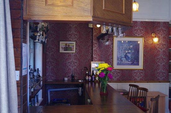 Varley House: Bar