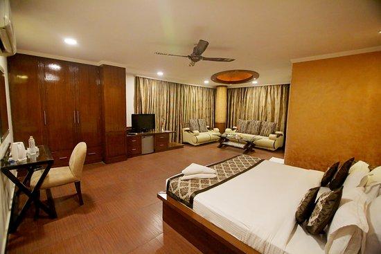 Chirag Residency: Spacious Luxury Suite