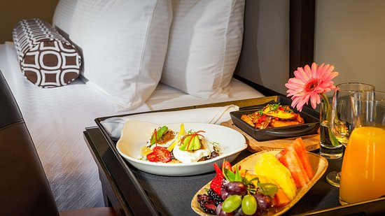 Concord, CA: Room Service