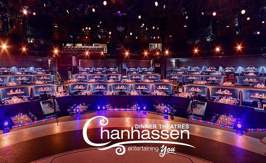Chanhassen, MN: Main Stage Wlogo