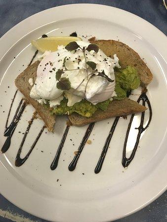 Port Campbell Takeaway: Breakfast