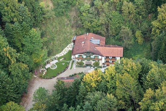 Anthering, Österreich: Alleinlage mitten im Wald Hotel Hammerschmiede