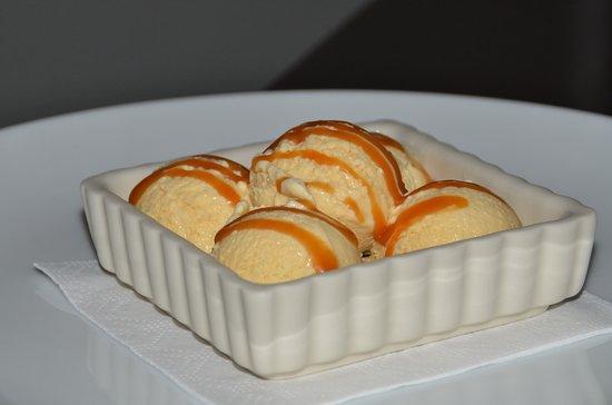 Lecanto, Floryda: Home-made ice cream with carmel sauce