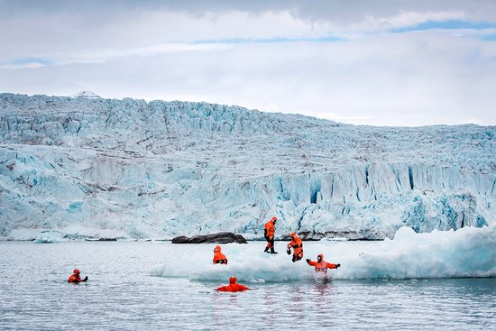 Longyearbyen, Norway: Blue Glacier and touch of madness