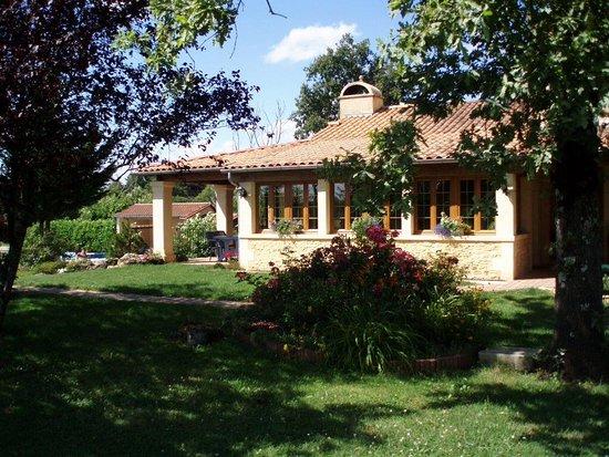 Mauzens-et-Miremont, France: Maison d'hôtes Au coeur de la Dordogne avec piscine chauffée