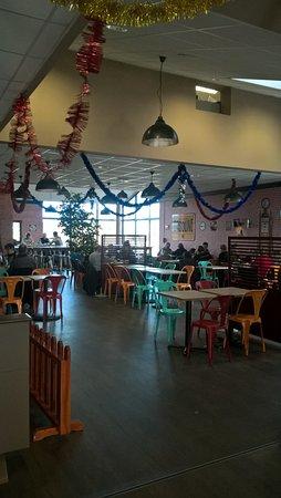 Sainte-Hermine, ฝรั่งเศส: la salle de la cafétéria
