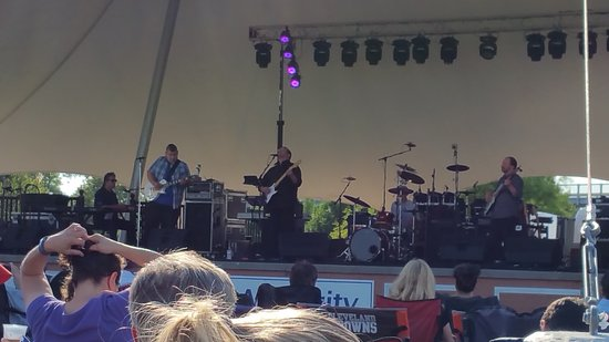 "Journey tribute Band ""ESCAPE"" at the Lorain Port Authority ""Rocking on THe River"" event."