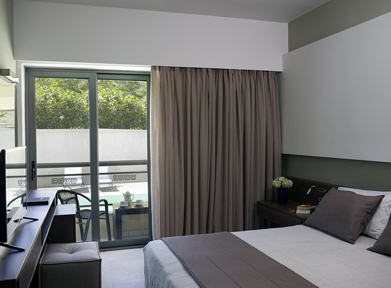 Angela Suites + Lobby: Superior Double - Pool View