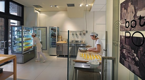 Bottega portici indipendenza bologna restaurant for Hotel bologna borgo panigale