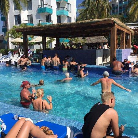Hotel Fontan Ixtapa Photo