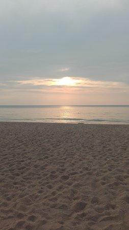 Khaolak Orchid Beach Resort: Relax del tramonto