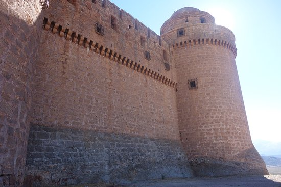 Torres y estructura dek Castillo de la Calahorra
