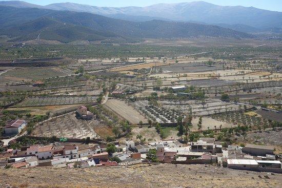 Vista del Pueblito La Calahorra desde el Castillo