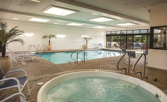 Doubletree Hotel Chicago Oak Brook Updated 2017 Reviews Price Comparison Il Tripadvisor