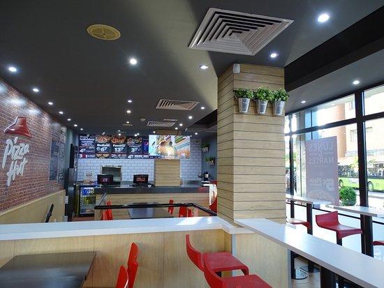 Restaurante pizza hut en torrej n de ardoz con cocina - Restaurante pizza hut ...
