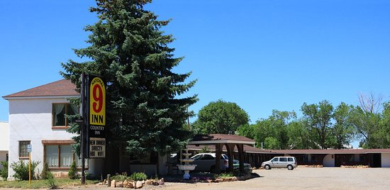 Dove Creek, CO: Street view of motel