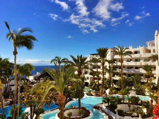 Anflug picture of hotel jardin tropical costa adeje for Jardin tropical tenerife tripadvisor