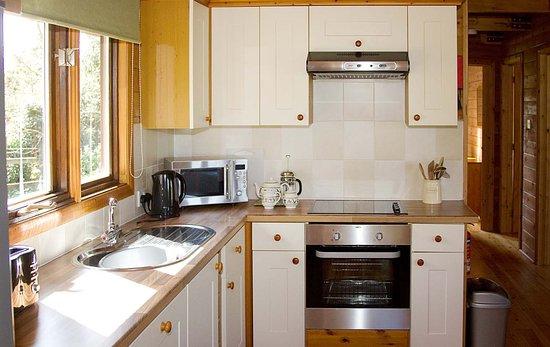 Lower Campscott Farm: All kitchens have a dishwasher, washer dryer & fridge feezer