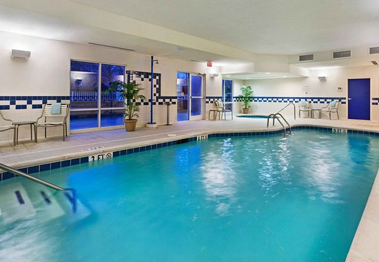 East Ridge, TN: Indoor Pool & Spa
