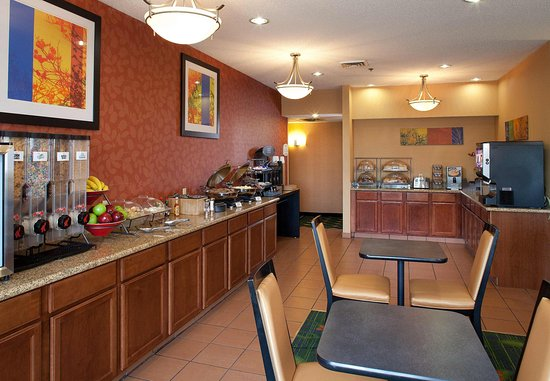 New Paris, OH : Breakfast Buffet