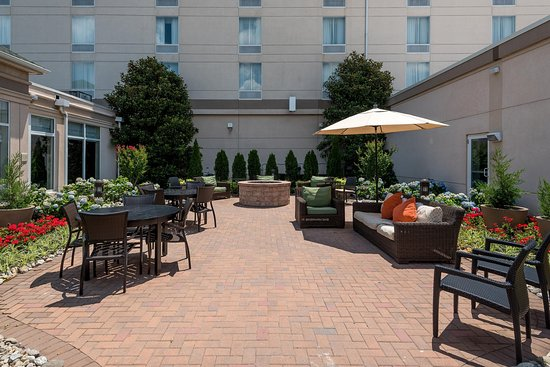 Fort Washington, PA: Outdoor Patio Seating