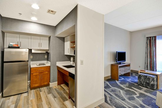 Homewood Suites by Hilton San Antonio Northwest: Kithchen and Living