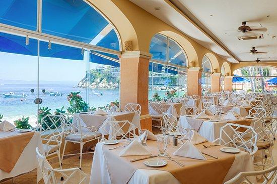 Restaurant Buffet La Fuente Picture Of Barcelo Puerto Vallarta Tripadvisor